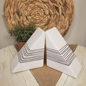 New | Set Geometric Striped Bookends
